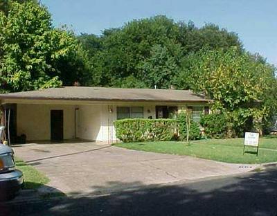 1616 GLENCREST DR, Austin, TX 78723 - Photo 2