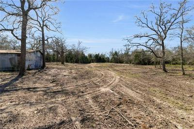 221 OLD WAELDER RD, Flatonia, TX 78941 - Photo 2