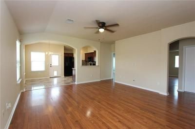 106 DOUBLE BARREL CT, Bastrop, TX 78602 - Photo 2