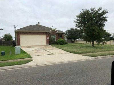606 WILEY ST, Hutto, TX 78634 - Photo 1