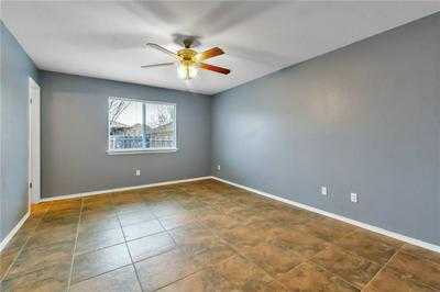 106 WHIRLING EDDY CV, Hutto, TX 78634 - Photo 2