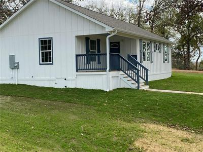 147 WAY STATION TRL, Smithville, TX 78957 - Photo 2
