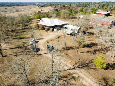 162 HIDDEN BLF, Smithville, TX 78957 - Photo 2