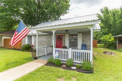 606 WILKES ST, Smithville, TX 78957 - Photo 2