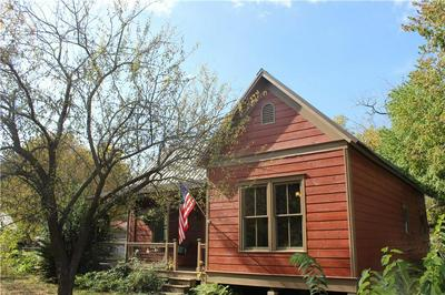 201 SHORT ST, Smithville, TX 78957 - Photo 2