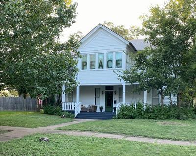 1001 VANCE ST, Taylor, TX 76574 - Photo 1