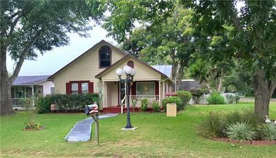 109 WHITEHEAD ST, Smithville, TX 78957 - Photo 1