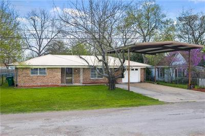 204 N 1ST ST, THORNDALE, TX 76577 - Photo 2