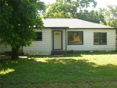 404 BYRNE ST, Smithville, TX 78957 - Photo 1