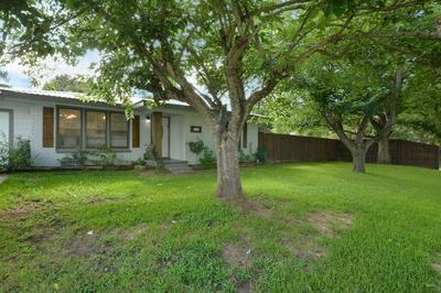 481 ESTELLE DR, Rockdale, TX 76567 - Photo 2