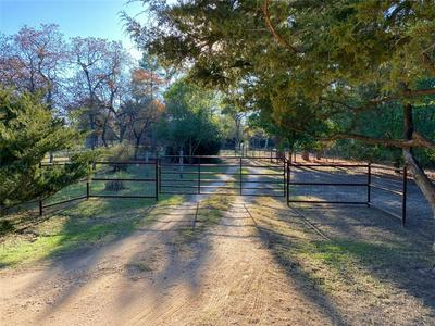 1181 COUNTY ROAD E W, Lexington, TX 78947 - Photo 2