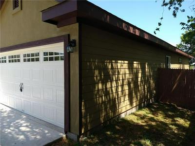 851 W HOUSTON ST, Giddings, TX 78942 - Photo 2