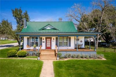 1203 SAINT LAWRENCE ST, Gonzales, TX 78629 - Photo 1