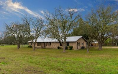 1043 W BELL ST, BARTLETT, TX 76511 - Photo 2