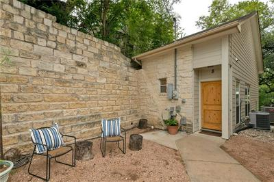300 LE GRANDE AVE APT 8, Austin, TX 78704 - Photo 2