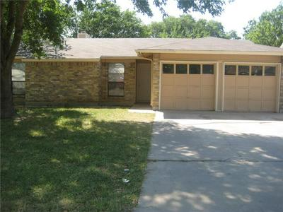 2005 HOLLY SPRINGS DR, Taylor, TX 76574 - Photo 1