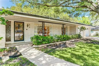 8510 SILVER RIDGE DR, Austin, TX 78759 - Photo 2