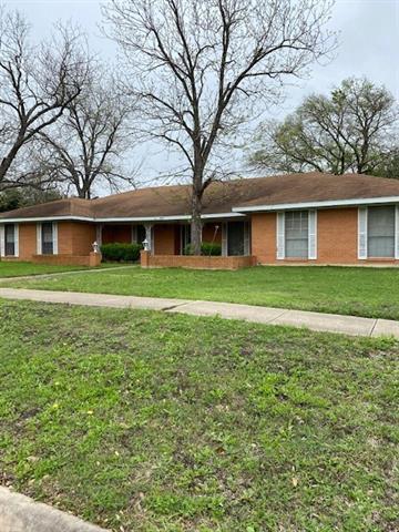 904 DAVIS ST, TAYLOR, TX 76574 - Photo 2