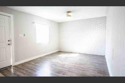 206 W 38TH ST APT 203, Austin, TX 78705 - Photo 2