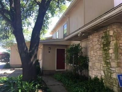 806 CASTLE RIDGE RD APT C, Austin, TX 78746 - Photo 2