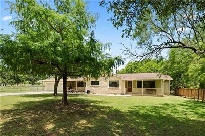 1817 E DAVIS ST, Luling, TX 78648 - Photo 2