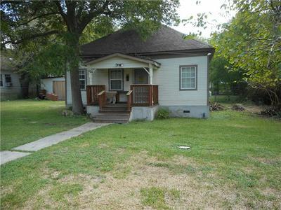 310 HOSACK ST, Taylor, TX 76574 - Photo 2