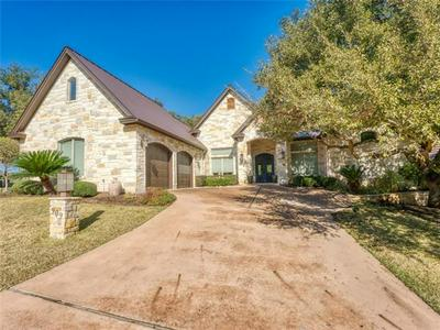 909 SUN RAY, MARBLE FALLS, TX 78657 - Photo 1