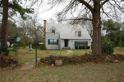 208 3RD ST, LEXINGTON, TX 78947 - Photo 1