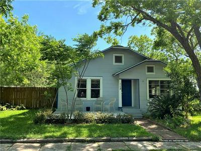 112 S LIVE OAK ST, Fayetteville, TX 78940 - Photo 1