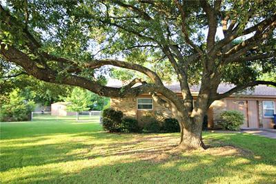 702 BROOKWOOD ST, Taylor, TX 76574 - Photo 1