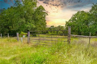 790 COUNTY ROAD 407, Waelder, TX 78959 - Photo 1