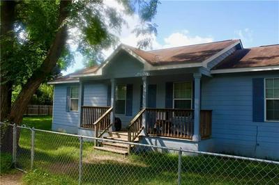 301 TAYLOR ST, Smithville, TX 78957 - Photo 1