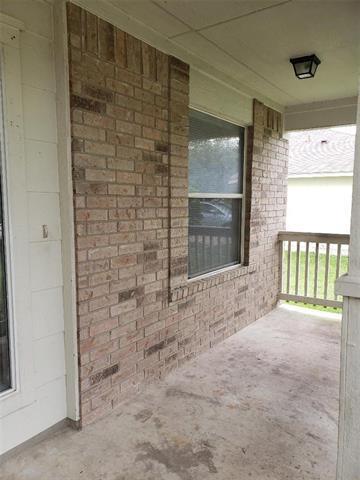 2805 TYLER LN, Taylor, TX 76574 - Photo 2