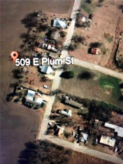 509 PLUM ST, Granger, TX 76530 - Photo 2