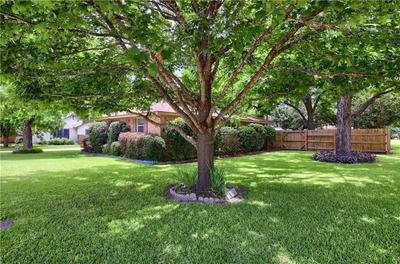 107 N 5TH ST, Thorndale, TX 76577 - Photo 2