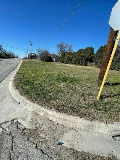 514 E AVENUE C, Temple, TX 76501 - Photo 1