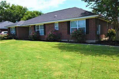 902 CALDWELL ST, Lexington, TX 78947 - Photo 2