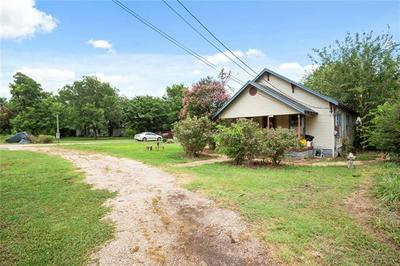 417 GIDDINGS ST, Lexington, TX 78947 - Photo 1
