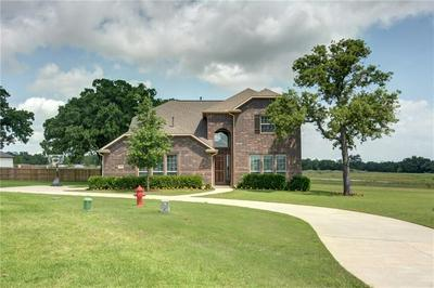 114 MCCOY CIR, Bastrop, TX 78602 - Photo 2