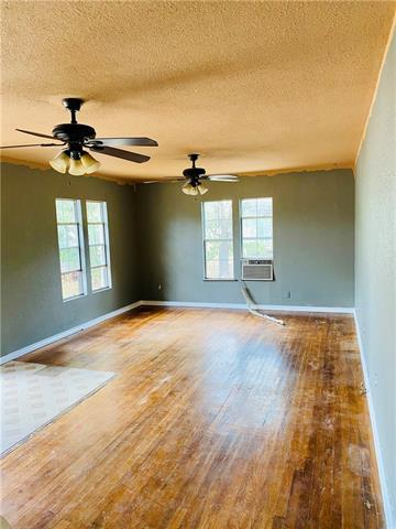 528 W VAUGHAN ST, Bertram, TX 78605 - Photo 2