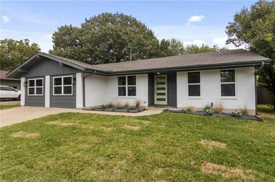 7301 CHARLTON DR, Austin, TX 78723 - Photo 2
