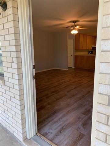 114 KEVIN ST, Smithville, TX 78957 - Photo 2