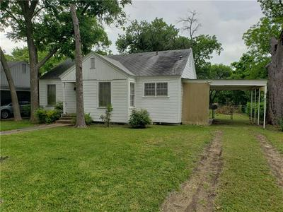 1403 BURNS BLVD, Taylor, TX 76574 - Photo 1