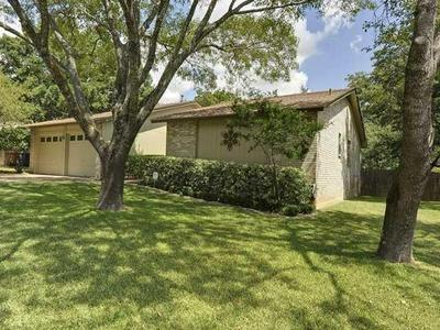 11713 SPOTTED HORSE DR, Austin, TX 78759 - Photo 2