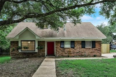 907 CHARLESTON BLVD, Smithville, TX 78957 - Photo 1