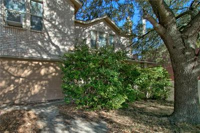 11404 FOREST SQ, Live Oak, TX 78233 - Photo 2
