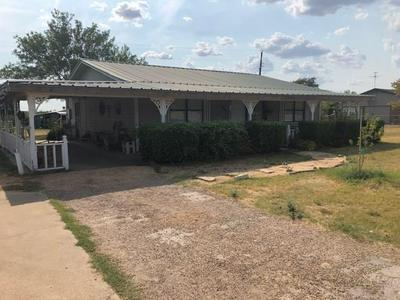 1211 N PATTERSON AVE, Florence, TX 76527 - Photo 1