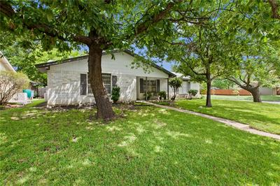 8601 STILLWOOD LN, Austin, TX 78757 - Photo 2