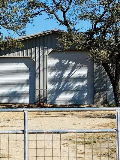 000 LAKEVIEW CIR, Lockhart, TX 78644 - Photo 2