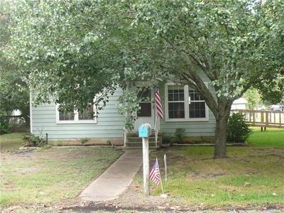 707 HUDGINS ST, Smithville, TX 78957 - Photo 2